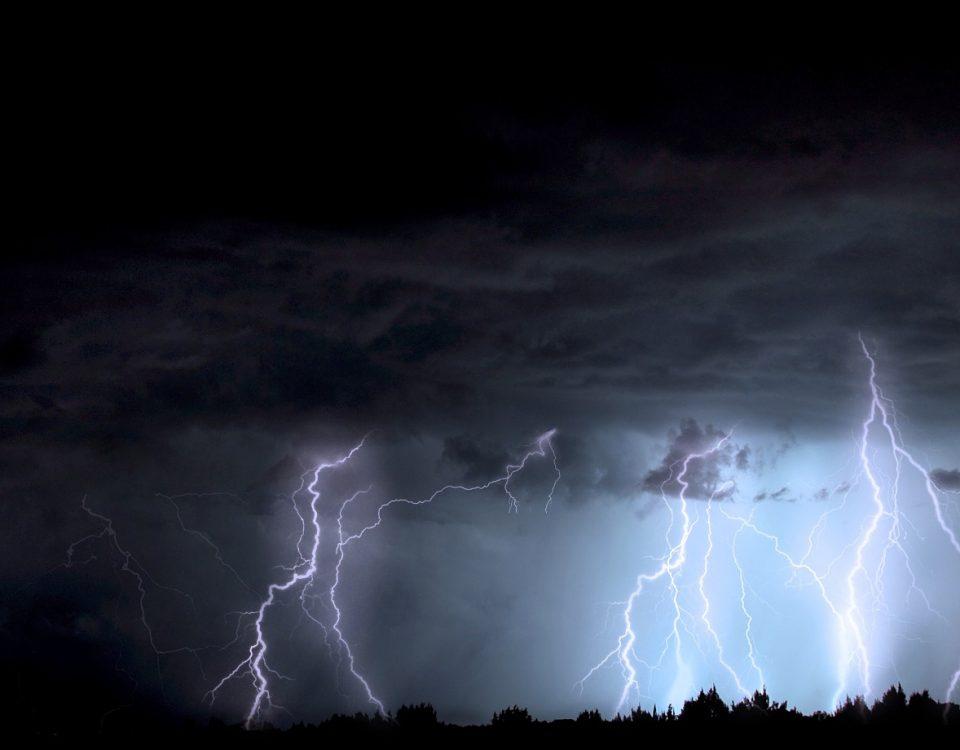 lightning-1158027_1920